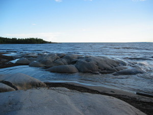 800px-Lake_Superior_at_Neys_Provincial_Park_Ontario